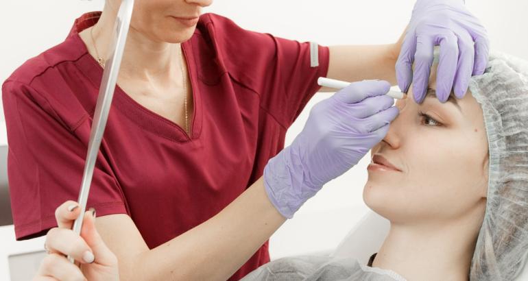 Пластическая хирургия или косметология?